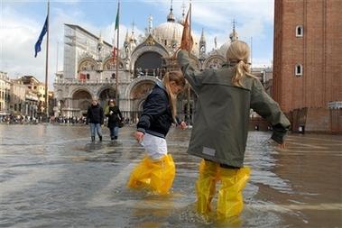 venice san marco flooded
